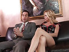 Blonde MILF wants rare pie bring to an end in leather sofa sex