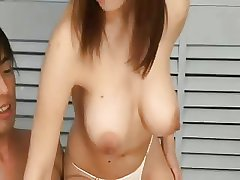 Non-restricted Japanese Beauty Gets Massive Creampie