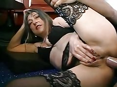 FRENCH MATURE WOMAN WITH PIERCINGS FUCKED Apart from THE PLUMBER