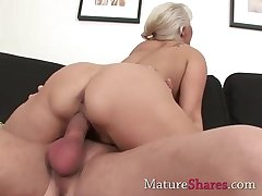Chunky dick for natural mature pussy
