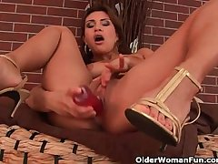 Bestial adult knockout with nice tits loves dildoing
