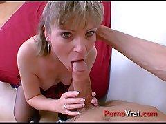 Coralie se fait enculer en cachette de son mari !!! French amateur