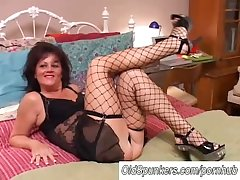 Sexy old spunker round stockings Debella enjoys a facial cumshot