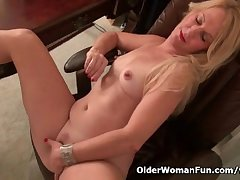 American milf Shelby stripping absent in front office