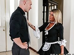 Slutty beauteous maid Kristal Summers gives an stunning suck & fuck