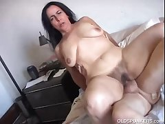 Gorgeous mature cosset Nina enjoys a unchanging fucking