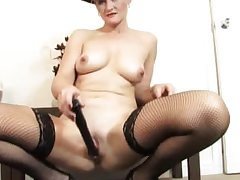 Old lay mommy dildo experience