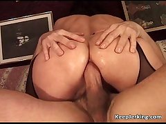 Grown up old bag gets tight asshole fucked