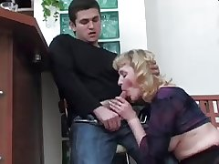 Boy didn't want to kiss Mature, hamper fucked her Ass