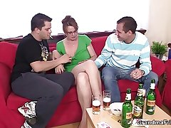 Hot 3some with grown-up chick after clip of beers