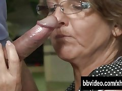German mature trollop eat dick in cookhouse