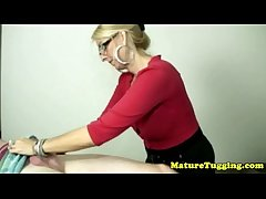 Blonde cougar with spex tugging hard rod