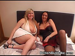 Non-professional bukkake combo unite with mature woman