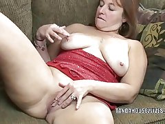 Mature battle-axe Liisa is have a hunch banging will not hear of plump pussy
