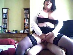combocams.com - mature mother wears dismal stocking for pizza boy