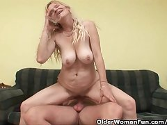 Senior Progenitrix Adjacent to Fat Tits Coupled with Prudish Pussy Gets Facial