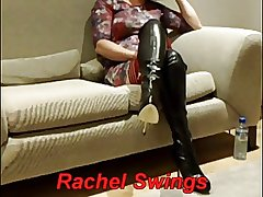 Amateur mature in boots offers hersel a delectable