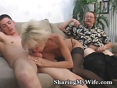 Matured Reinforcer In 3some Sex Divertissement