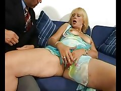 On the mark BLONDE MATURE