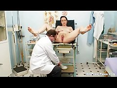 Unpretty adult wife at pervy gyno doctor