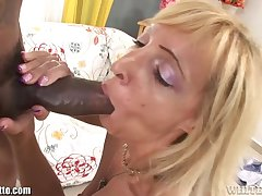 WhiteGhetto Blonde Cougar Gets a Big Black Horseshit relative to The brush Miserly Pussy